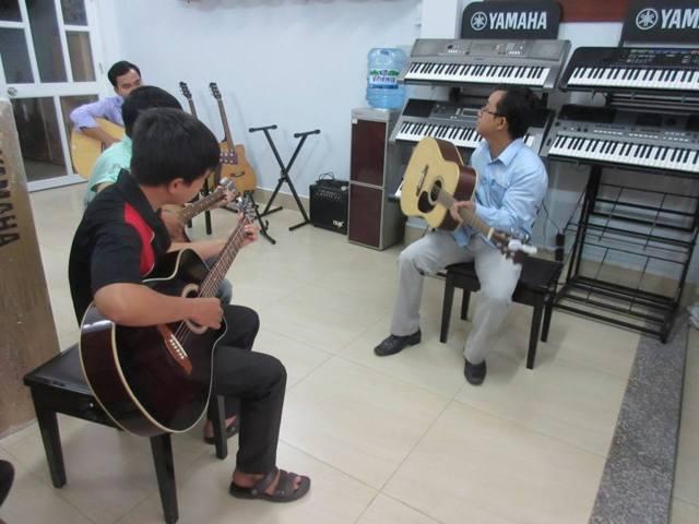 Khi học đàn Guitar nên bắt đầu từ đâu?