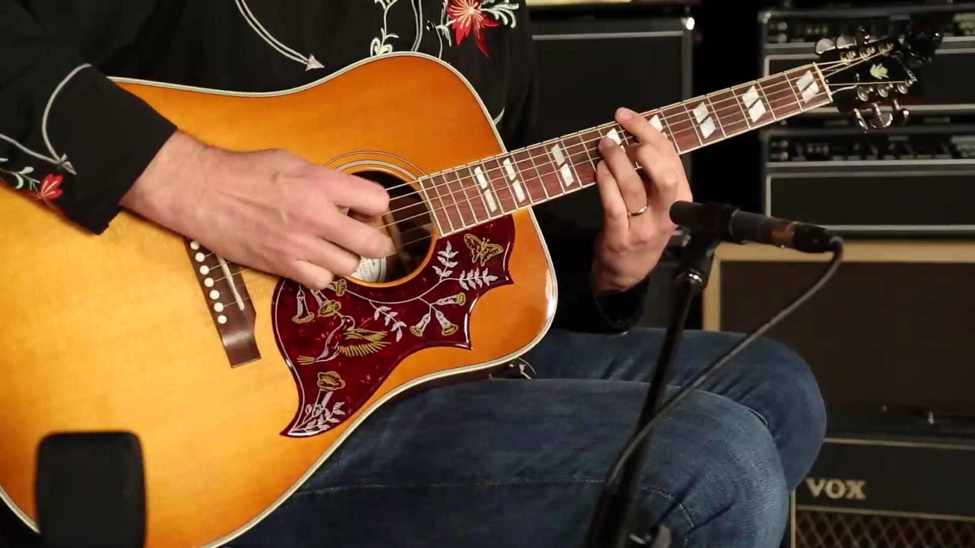Nên học Guitar Modern hay Guitar Classic?