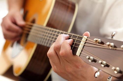 Tự học đàn Guitar Solo có khó không?