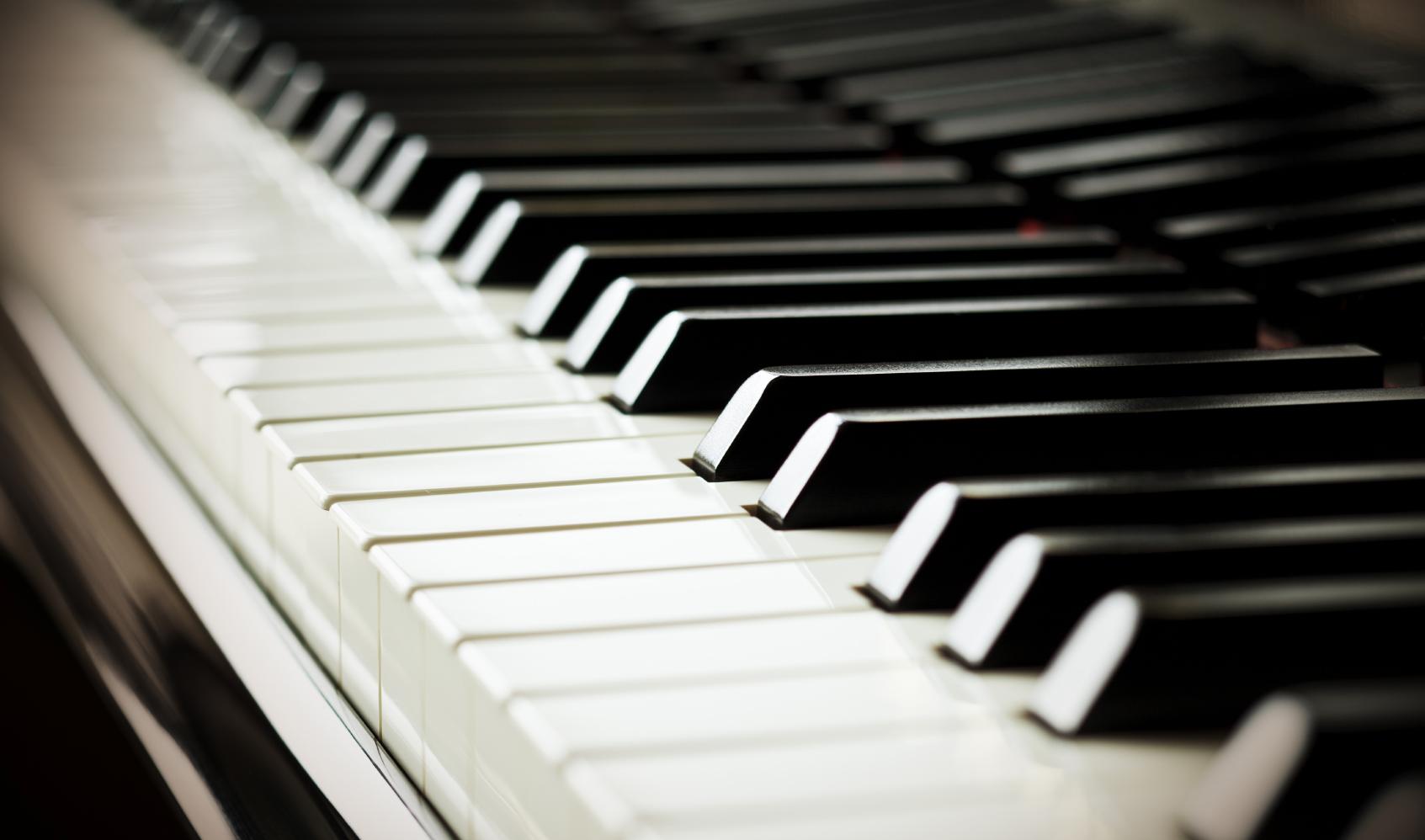 Cách tự học đàn Piano cơ bản tại Nhà
