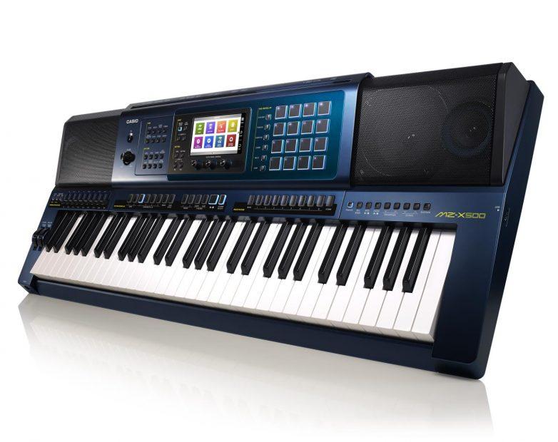Tập học đệm hát organ như thế nào?