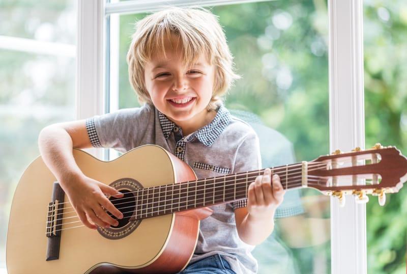 Khóa học đàn Guitar cho trẻ em