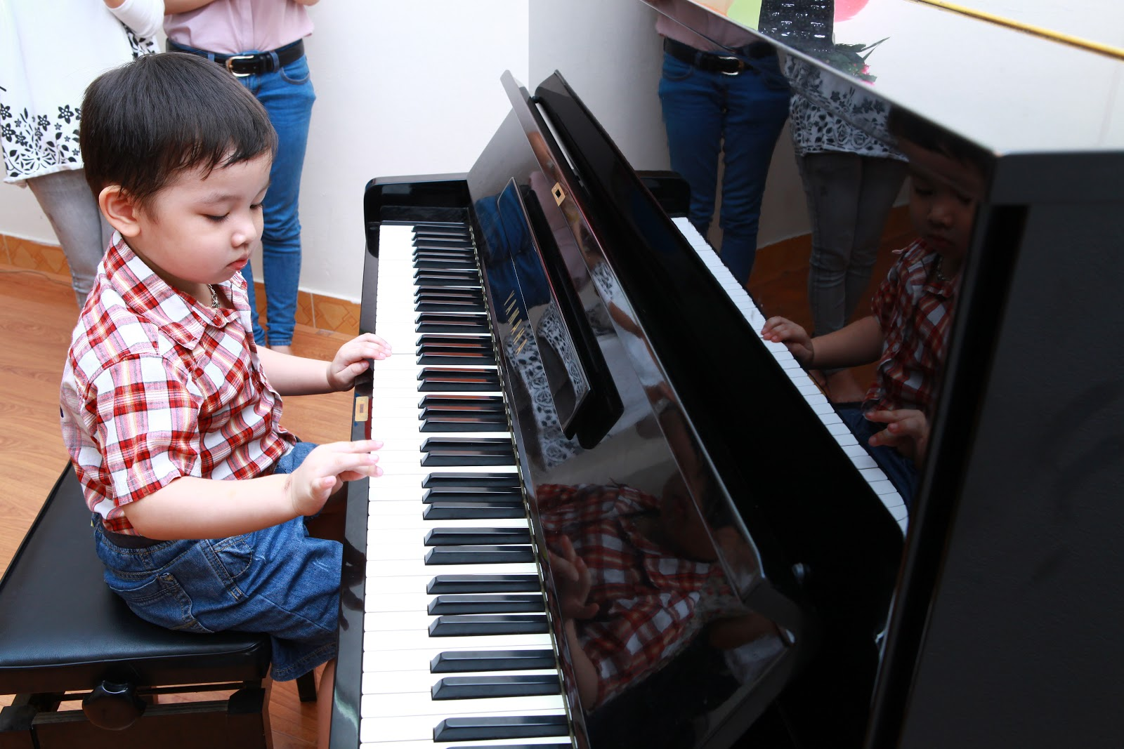 Lớp dạy học chơi đàn Piano cơ bản
