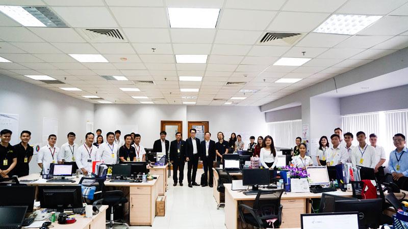 Chủ tịch Roland Junichi Miki tới thăm Việt Thương Việt Nam