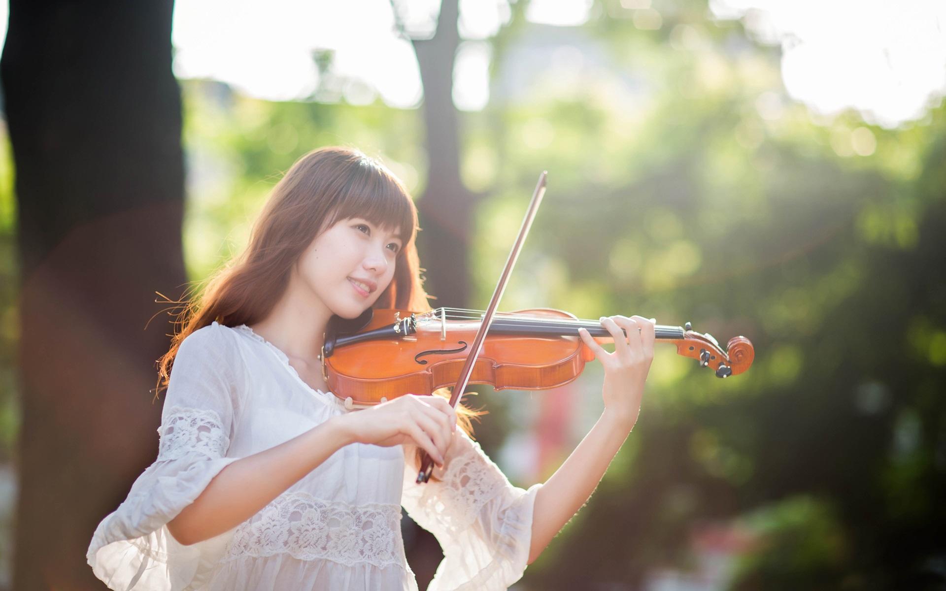 Học Violin Đơn giản và Dễ dàng với 4 bước cơ bản!