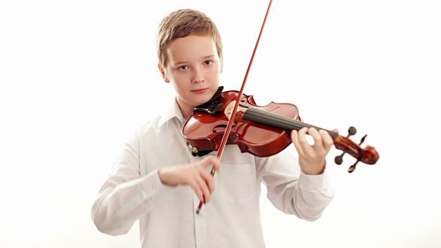 Các tư thế chơi đàn Violin đúng cách