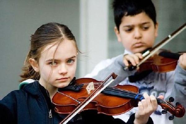 Học kéo đàn Violin như thế nào để có hiệu quả?