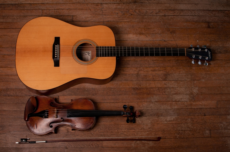Nên học Violin hay học Guitar, cái nào là phù hợp với bạn hơn?