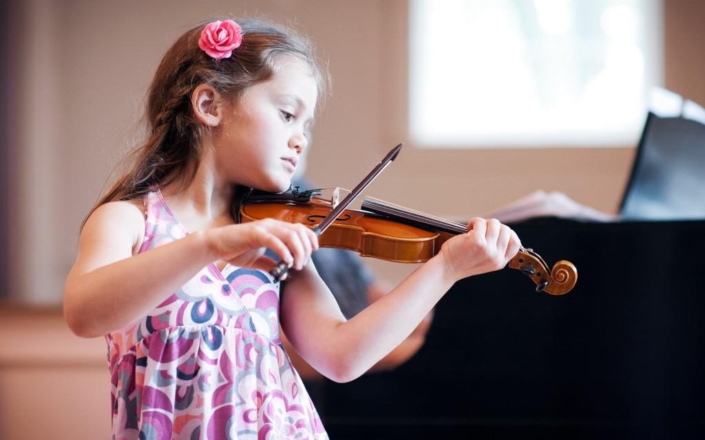 Đàn Violin phù hợp cho bé từ 6 – 8 tuổi