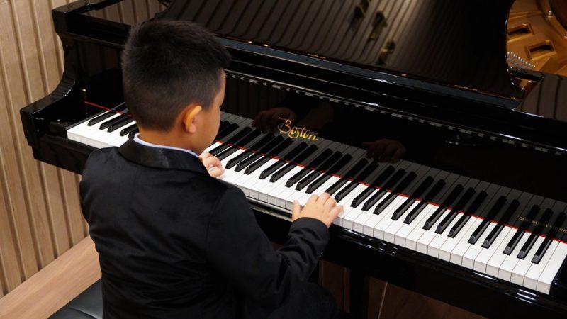 học đàn piano