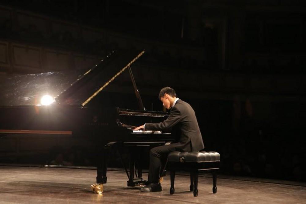 Cậu bé tự kỷ và ước mơ trở thành nghệ sĩ Piano nổi tiếng