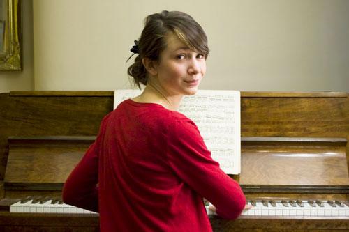Kinh nghiệm thực học piano thành công 100% cho người lớn tuổi