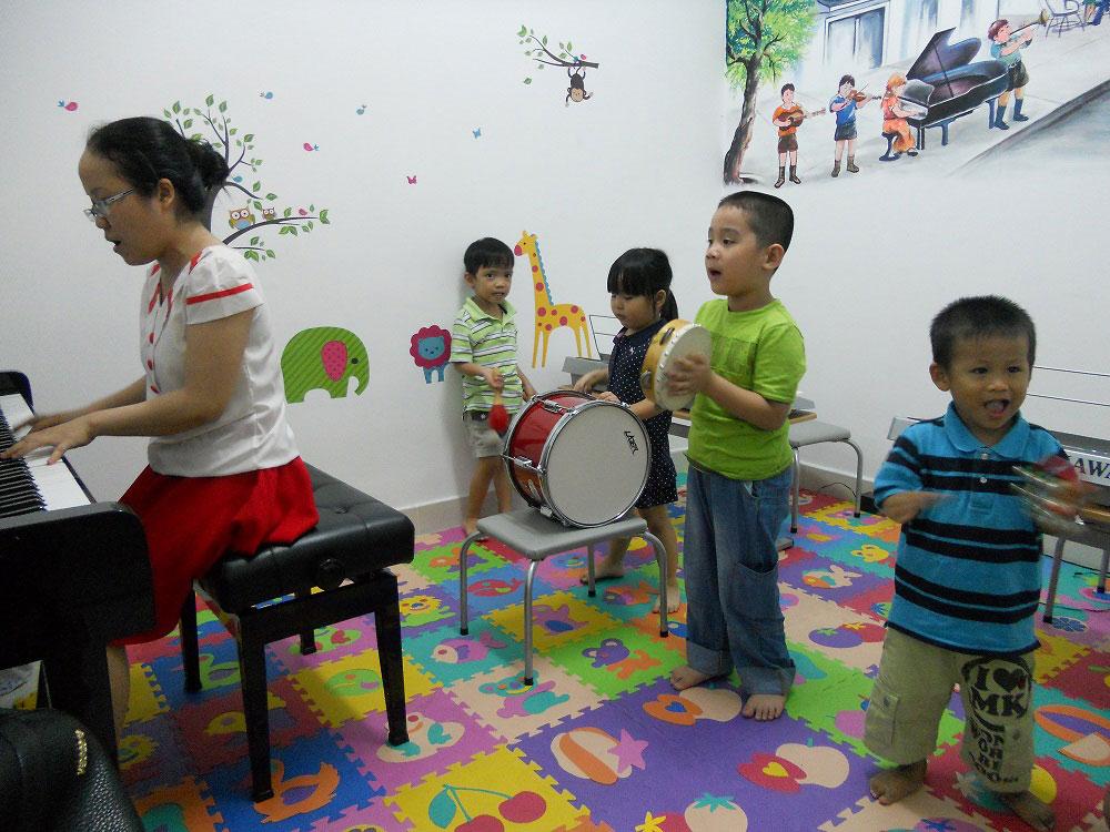 học nhạc tại Việt Thương
