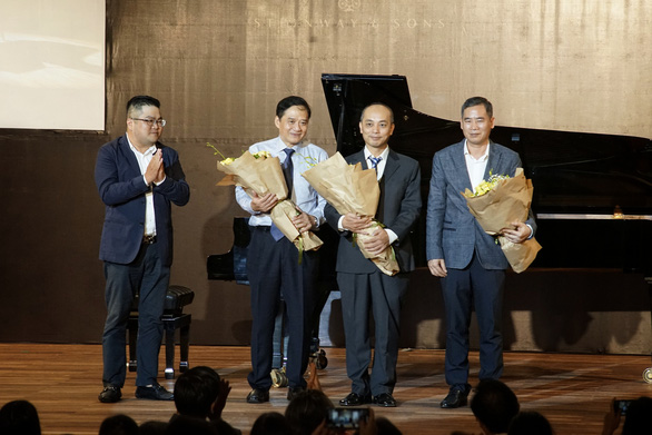Ban giám khảo cuộc thi Steinway Youth Piano Competition 2020