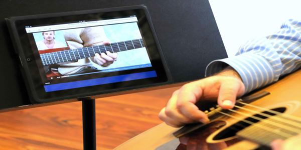 Học guitar bằng thính giác