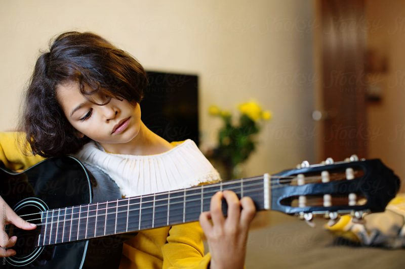 Piano và guitar: môn học nào dễ hơn cho người mới bắt đầu