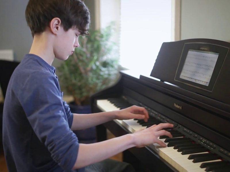 Thời gian học piano phụ thuộc vào nhiều yếu tố, bạn hãy tìm câu trả lời đúng cho mình, hoặc cho con trong phần thông tin dưới đây và cùng hỗ trợ trẻ đi dọc hành trình vững chắc nhất có thể.