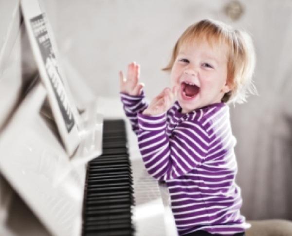 Trẻ 3-4 tuổi đã có đủ trí và lực để tham gia học Organ