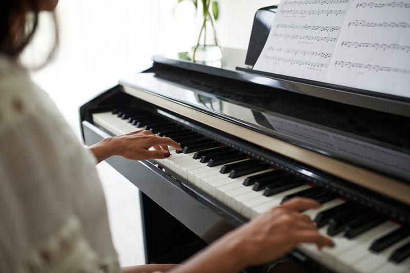 Khóa học đàn piano cho người lớn tại Việt Thương Music