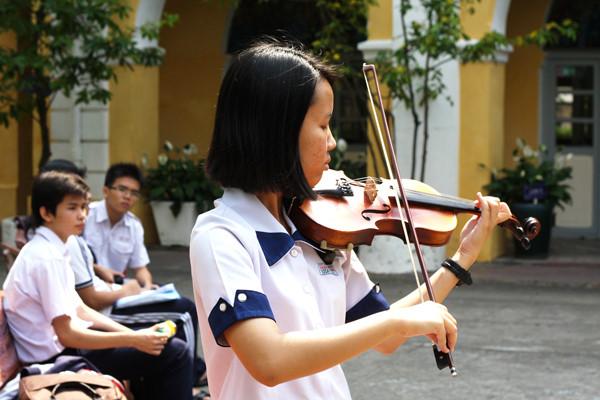 chơi đàn violin 1