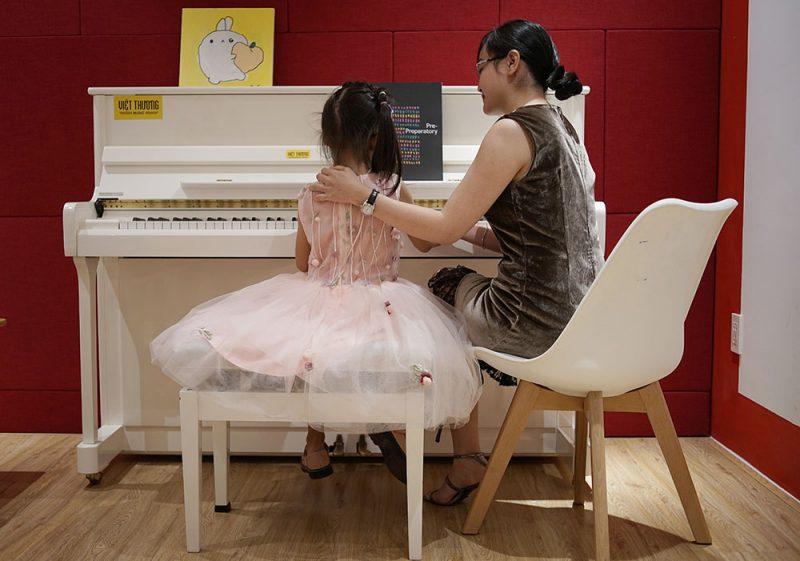 Học nhạc tại Việt Thương - trẻ được định hướng ngay từ đầu. Âm nhạc xuất phát từ trong tâm hồn trẻ