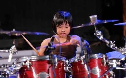 học trống từ nhỏ giúp các con thông minh hơn