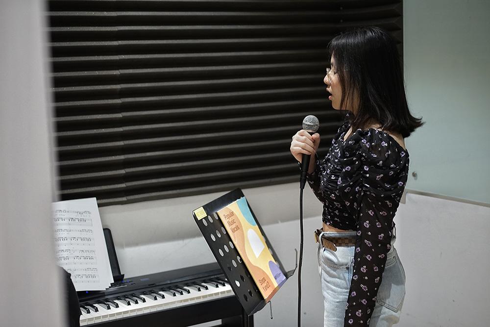 học viên học thanh nhạc tại việt thương 2