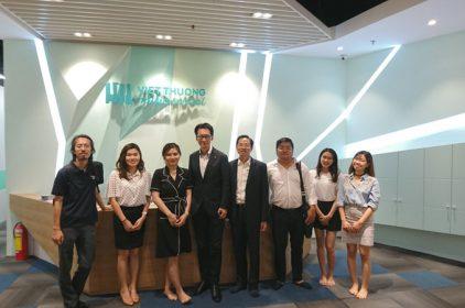 Chủ tịch Roland tới thăm Việt Thương Music tại Việt Nam