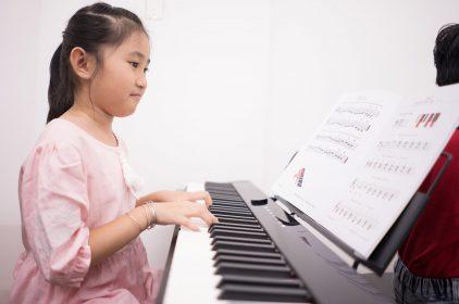 Bé dưới 6 tuổi học nhạc như thế nào khi học theo giáo trình Music for Little Mozarts?