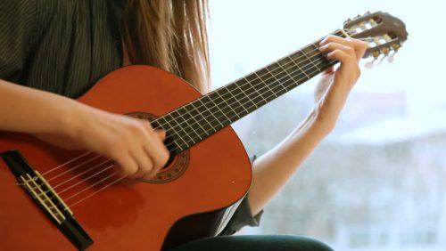 Điều hấp dẫn khi học chơi guitar 1