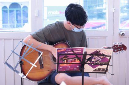 Khóa học đàn guitar online 1 kèm 1 hiệu quả tại Việt Thương 2021-2022